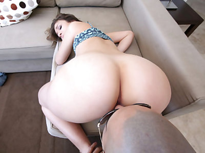 Puerto Rican Honey Gets Drilled